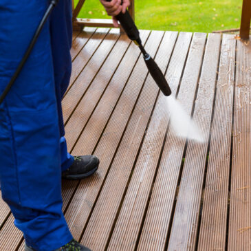 7 Things to Ask Professional Pressure Washers Before You Hire